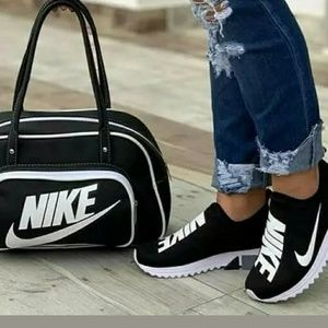 Nike duffle bag set